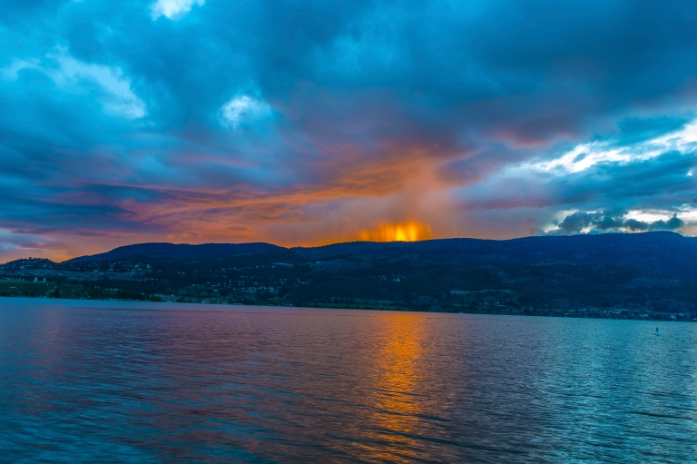 sunset-at-lake-okanagon_8742652783_o